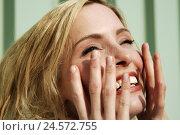 Купить «Woman, laugh young, happily, finger, portrait, curled,», фото № 24572755, снято 21 августа 2018 г. (c) mauritius images / Фотобанк Лори