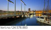 Купить «Spain, Catalonia, Barcelona, harbour, bridge, Rambla de Mar, harbour, evening,», фото № 24578883, снято 15 февраля 2010 г. (c) mauritius images / Фотобанк Лори