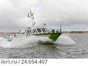 Купить «Germany, Lower Saxony, island Norderney, revenue cutter, bath Interforefather, Sea,», фото № 24654407, снято 12 января 2009 г. (c) mauritius images / Фотобанк Лори
