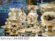 Купить «Albrecht's castle, inside, porcelain exhibit, centrepiece about 1863, sponge porcelain, gold, Meißner porcelain, Meissen, Saxon, Germany,», фото № 24659031, снято 25 апреля 2018 г. (c) mauritius images / Фотобанк Лори
