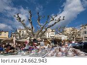 Купить «France, Cote d'Azur, Cannes, classical art market in the hotel 'Generous',», фото № 24662943, снято 16 июля 2018 г. (c) mauritius images / Фотобанк Лори