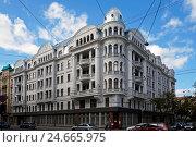 Купить «Рига, Brivibas 61 (бывший дом КГБ), 1912-й год, эклектика», фото № 24665975, снято 1 октября 2016 г. (c) Andrejs Vareniks / Фотобанк Лори