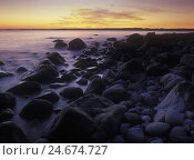 Купить «Norway, Telemark, the North Sea, Skagerag, Mölen, beach with glacial pebbles after sunset,», фото № 24674727, снято 24 сентября 2018 г. (c) mauritius images / Фотобанк Лори