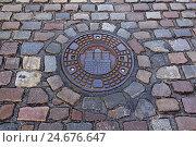 Купить «Hamburg, memory town, cobblestones, duct cover,», фото № 24676647, снято 20 июля 2018 г. (c) mauritius images / Фотобанк Лори