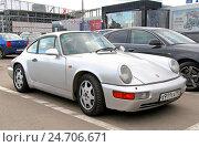 Купить «Porsche 911 Carrera», фото № 24706671, снято 29 сентября 2012 г. (c) Art Konovalov / Фотобанк Лори