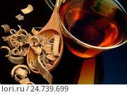 Купить «Medicinal tea made of Brush wattle», фото № 24739699, снято 18 августа 2018 г. (c) age Fotostock / Фотобанк Лори