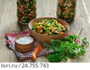 Консервирование овощей. Стоковое фото, фотограф Igor Sirbu / Фотобанк Лори