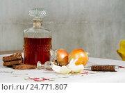 Купить «Алкогольная настойка в графине с закусками», фото № 24771807, снято 24 декабря 2016 г. (c) Момотюк Сергей / Фотобанк Лори