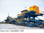 Добыча медной руды. Conveyor belt with an ore. Стоковое фото, фотограф Юлия Врублевская / Фотобанк Лори