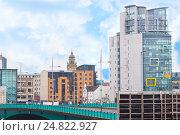 Купить «Городская жизнь в Белфасте, Северная Ирландия», фото № 24822927, снято 29 октября 2016 г. (c) Ольга Марк / Фотобанк Лори