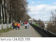 Купить «Волжская набережная в Ярославле», фото № 24825195, снято 3 мая 2014 г. (c) Игорь Долгов / Фотобанк Лори