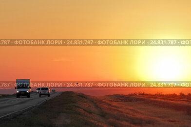 Закат на трассе в калмыцкой степи