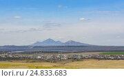 Вид на горы Пятигорска со стороны озера Тамбукан (2016 год). Стоковое фото, фотограф Станислав Краснов / Фотобанк Лори