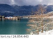 Купить «Церковь святого Фанурия на озере Фенеос (горная Коринфия, Греция)», фото № 24854443, снято 8 января 2017 г. (c) Татьяна Ляпи / Фотобанк Лори