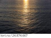 Солнечная дорожка в море. Стоковое фото, фотограф Римма Тельнова / Фотобанк Лори