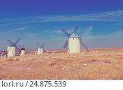Wind mills in La Mancha, Spain (2013 год). Стоковое фото, фотограф Яков Филимонов / Фотобанк Лори