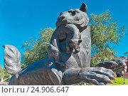 Купить «Россия, Сибирь, Иркутск; Скульптура бабра», эксклюзивное фото № 24906647, снято 6 августа 2016 г. (c) Александр Циликин / Фотобанк Лори