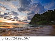 Закат на пляже Ката. Пхукет. Стоковое фото, фотограф Максим Попыкин / Фотобанк Лори