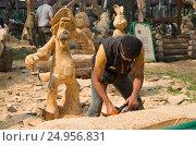 Купить «Праздник топора в Томске, один из конкурсантов», фото № 24956831, снято 20 августа 2016 г. (c) Gaft Eugen / Фотобанк Лори