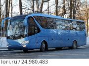 Купить «Синий автобус», фото № 24980483, снято 4 января 2017 г. (c) Анатолий Косолапов / Фотобанк Лори