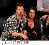 Купить «Celebrities watch the Los Angeles Lakers play The Golden State Warriors Featuring: Lea Michele, Matthew Paetz Where: Los Angeles, California, United States When: 05 Jan 2016 Credit: WENN.com», фото № 24986839, снято 5 января 2016 г. (c) age Fotostock / Фотобанк Лори