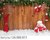 Купить «Новогодняя композиция со снеговиком», иллюстрация № 24989811 (c) Элина Гаревская / Фотобанк Лори