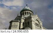 Купить «Basilica of Saint-Martin, Tours, France», видеоролик № 24990655, снято 28 января 2017 г. (c) Владимир Журавлев / Фотобанк Лори