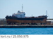 Старый корабль общий вид (2014 год). Стоковое фото, фотограф Александр Абдураманов / Фотобанк Лори
