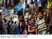 Дети в трущобах Мумбая (2016 год). Редакционное фото, фотограф Алтанова Елена / Фотобанк Лори