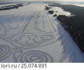 Ледовый  автодром на озере Кончезеро в Карелии. Стоковое фото, фотограф Потехин Сергей / Фотобанк Лори