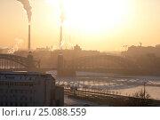 Большеохтинский мост в контровом свете (2016 год). Стоковое фото, фотограф Анна Сапрыкина / Фотобанк Лори
