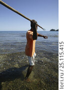 Купить «Spear fishing, Naviti, Fiji.», фото № 25115415, снято 21 июля 2018 г. (c) Nature Picture Library / Фотобанк Лори