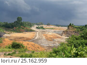Купить «Open cast coal mine, Balipanap, East Kalimantan, Borneo. June 2010.», фото № 25162959, снято 19 августа 2018 г. (c) Nature Picture Library / Фотобанк Лори