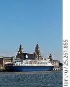 Купить «Cruise liner 'Ocean Countess', the first cruise ship to start and finish a cruise from the Liverpool waterfront for 40 years, seen here at the Liverpool...», фото № 25261855, снято 17 августа 2018 г. (c) Nature Picture Library / Фотобанк Лори