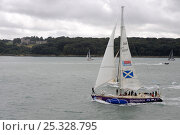 """Купить «Clipper 68 """"Edinburgh Inspiring Capital"""" starting from Cowes during the Sevenstar Round Britain and Ireland Race, August 2010.  All non-editorial uses must be cleared individually.», фото № 25328795, снято 21 мая 2018 г. (c) Nature Picture Library / Фотобанк Лори"""