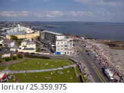 Купить «Salthill during the Volvo Ocean Race Inshore Races, Galway, Ireland, May 2009.», фото № 25359975, снято 17 октября 2019 г. (c) Nature Picture Library / Фотобанк Лори