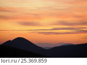Купить «Sunset over Pyreneean mountain ridges along France / Spain border.», фото № 25369859, снято 21 октября 2018 г. (c) Nature Picture Library / Фотобанк Лори