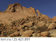 Granite mountain of Spitzkoppe, Damaraland, Namibia. Стоковое фото, фотограф Jouan Rius / Nature Picture Library / Фотобанк Лори