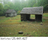 Купить «Two old wooden huts along Roaring Fork Motor Nature Trail, Great Smoky Mountains NP, Tennessee USA», фото № 25441427, снято 14 декабря 2017 г. (c) Nature Picture Library / Фотобанк Лори