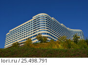 Гостиница на высоком берегу реки Белой. Стоковое фото, фотограф Наталья Тагирова / Фотобанк Лори