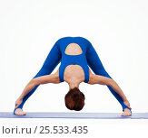 Купить «Young woman doing yoga», фото № 25533435, снято 29 марта 2016 г. (c) Алена Роот / Фотобанк Лори