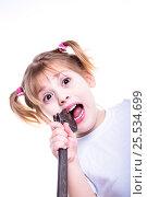 Girl with wrench. Стоковое фото, фотограф Mariya Eremenko / Фотобанк Лори