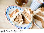 Купить «Sweet cake with cocoa and cream cheese», фото № 25557251, снято 13 июля 2020 г. (c) Дарья Филимонова / Фотобанк Лори