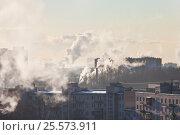 Купить «Зимняя панорама спального района, трубы котельных», фото № 25573911, снято 22 января 2010 г. (c) Анна Сапрыкина / Фотобанк Лори