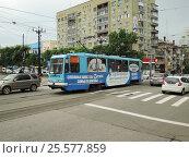 Купить «Трамвай ЛМ-99К № 100 на улице Шеронова в Хабаровске», фото № 25577859, снято 11 июня 2014 г. (c) Дмитрий Гаврилюк / Фотобанк Лори