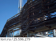 Кабельная эстакада, кабели электросети. Стоковое фото, фотограф Evgenii Mitroshin / Фотобанк Лори