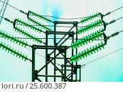 Купить «Электрические провода и изоляторы на фоне неба», фото № 25600387, снято 11 ноября 2012 г. (c) Сергеев Валерий / Фотобанк Лори