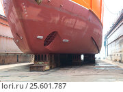 Купить «Repair of ships in dock», фото № 25601787, снято 23 мая 2016 г. (c) Георгий Хрущев / Фотобанк Лори