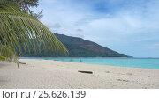 Купить «White sandy beach on Koh Lipe island», видеоролик № 25626139, снято 17 февраля 2017 г. (c) Михаил Коханчиков / Фотобанк Лори