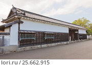 Ворота бывшей резиденции Оиси на территории замка Ако, город Ако, Япония, фото № 25662915, снято 18 июля 2016 г. (c) Иван Марчук / Фотобанк Лори